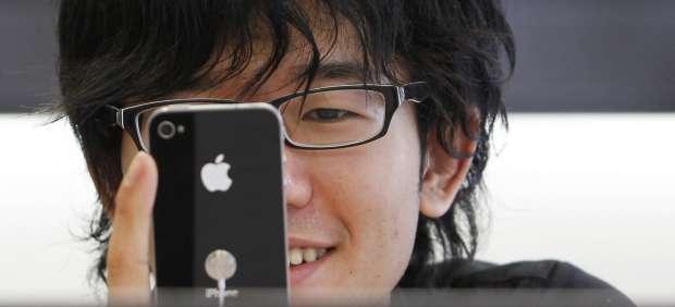 Los iPhone recopilan información de forma secreta sobre los movimientos de sus usuarios