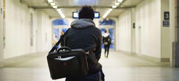 El Gobierno prepara un plan de retorno para atraer con ofertas de empleo a españoles emigrados