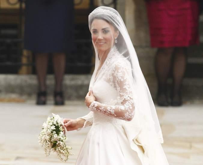 Con FotoEl La MiddletonLos Vestido Kate BritánicosVolcados De xQrdBshCt