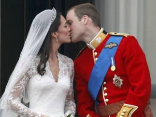 Beso en Buckingham Palace