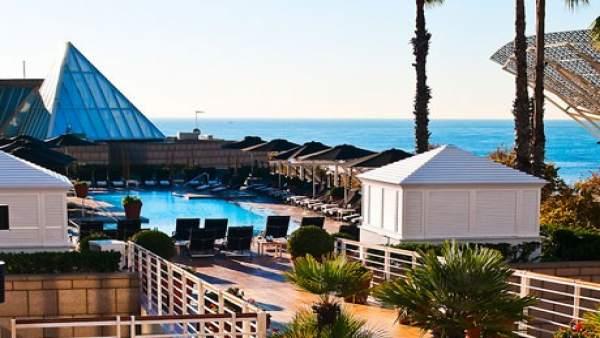 De festa a les terrasses de 51 hotels de barcelona fins for Terrazas de hoteles en barcelona