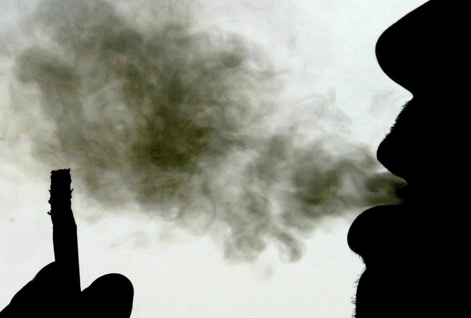 Prohibir fumar en lugares pblicos reduce el asma infantil y los