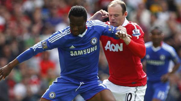 Obi Mikel y Rooney en el Manchester United - Chelsea