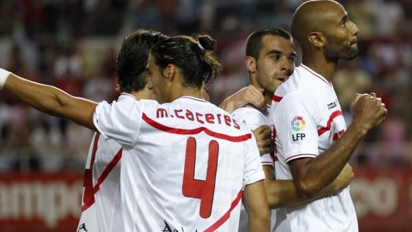 Gol de Kanoute con el Sevilla