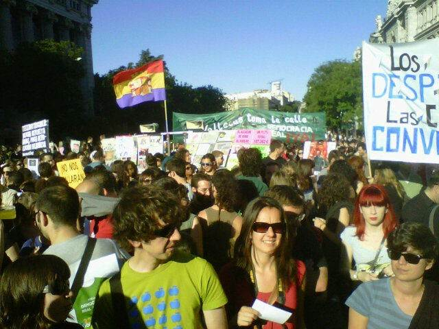 En la calle Alcalá. La manifestación, a su paso por la calle Alcalá de Madrid.