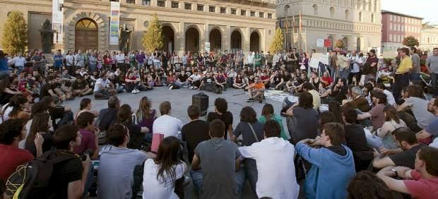 Acampada en la plaza del Pilar