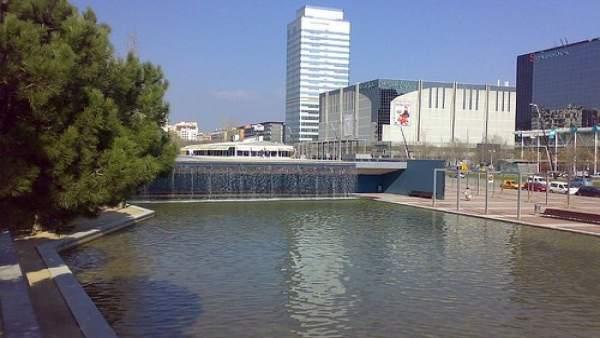 Desalojan Una Torre De 20 Plantas En Sabadell Porque Muchas Personas