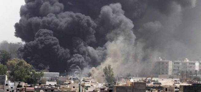 Bombardeos en Trípoli