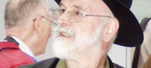 Terry Pratchett defiende su documental sobre el suicidio asistido