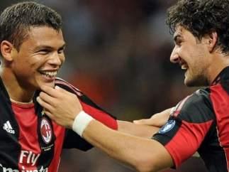 Thiago Silva y Pato