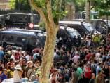 Protesta ante el Parlament catalán