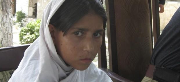 Niña con explosivos en Pakistán