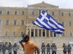La eurozona aprueba un nuevo rescate para Grecia y el FMI se suma