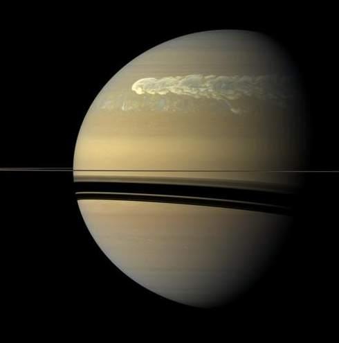 Tormenta en Saturno