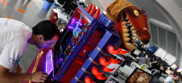 Descargas, juegos y redes sociales, favoritos del encendido de Campus Party