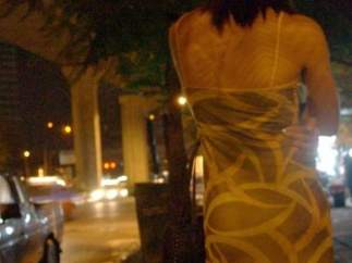 Una mujer ejerciendo la prostitución