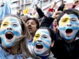 Seguidores de Uruguay, celebrando un gol de Copa America