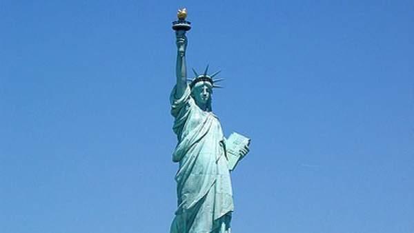 La estatua de la libertad cerrar sus puertas durante un for Interior estatua de la libertad