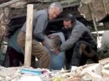 Rescate de una mujer en un terremoto en Turquía