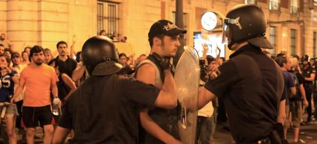 Carga policial en la marcha laica 'antipapa'