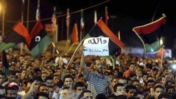 Concentración a favor de la toma rebelde de Trípoli