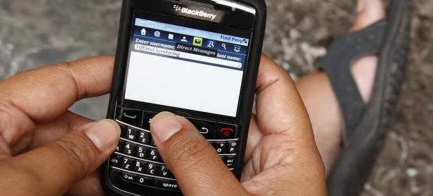 Un fallo deja 12 horas sin Internet a los millones de usuarios de BlackBerry