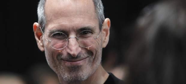El archivo del FBI sobre Steve Jobs cita el uso de drogas en su juventud y extorsión