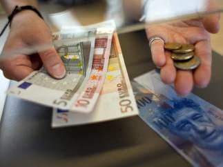Euros y francos suizos