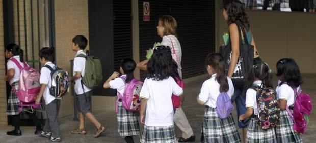 Primera escuela p�blica de Catalu�a con uniforme