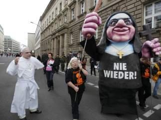Protestas contra el papa en Alemania