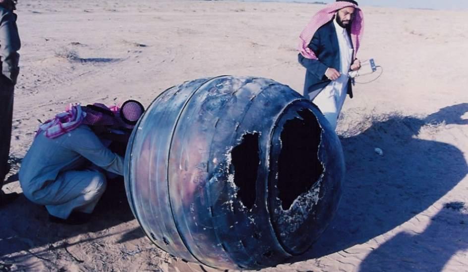 Chatarra espacial. Una pieza de titanio de 70 kg del motor del Delta2 se estrelló en Arabia Saudí en 2001.