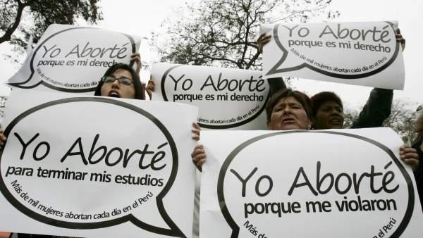 Mujeres en una protesta sobre el aborto