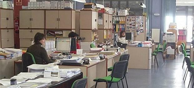 Imagen de archivo de funcionarios.