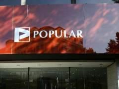 El Popular prepara un ajuste de plantilla que podría alcanzar a 3.000 empleados tras el verano