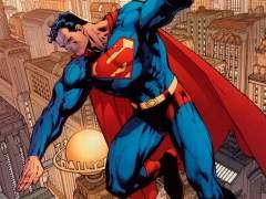 Superman defiende a sin papeles de supremacistas blancos