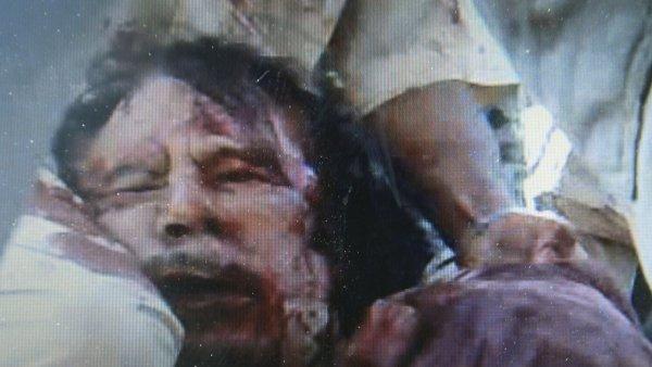 Imagen de Gadafi muerto