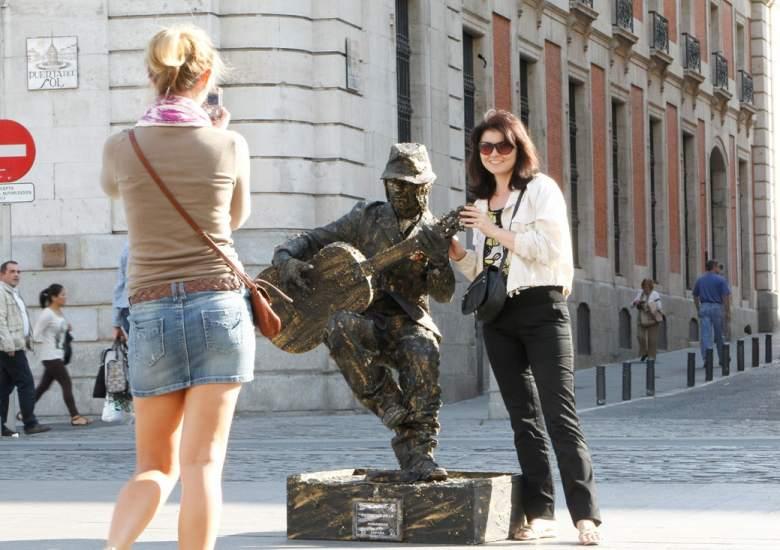 Foto estatua viviente estatuas humanas y vivientes - Puerta de madrid periodico ...