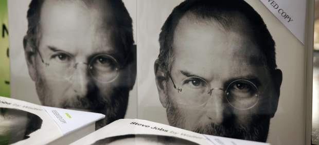 La biografía de Steve Jobs se convierte en el libro más vendido en Estados Unidos