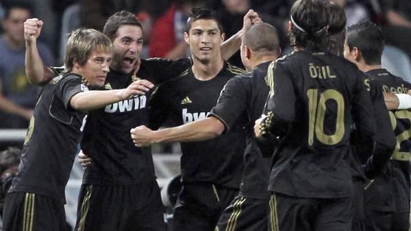 Gol de Higuaín con el Madrid