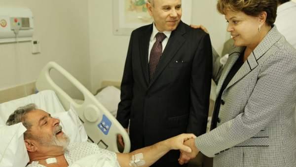 Dilma visita a Lula en el hospital