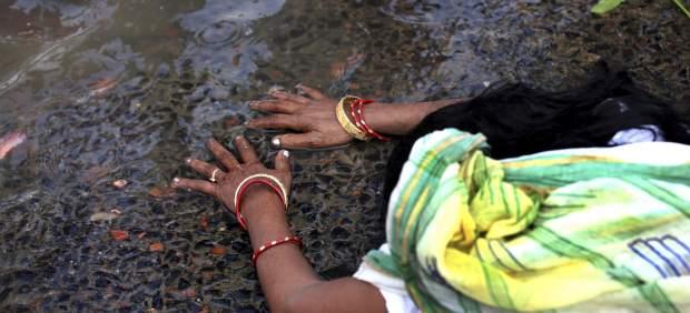 Ante el agua sagrada
