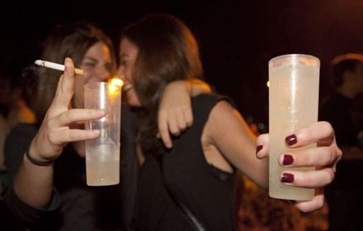 El alcoholismo es peligroso para los niños