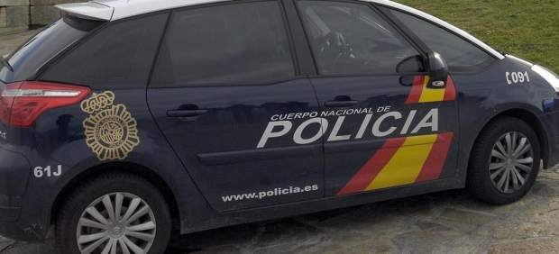 282 Coche de policía nacional