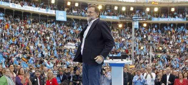Mariano Rajoy,saltando en un mitin en Valencia