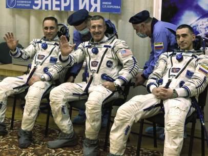 Los tripulantes de la nave Soyuz