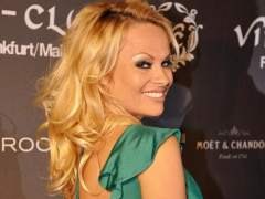 Pamela Anderson subasta un baile para recaudar fondos por el medio ambiente