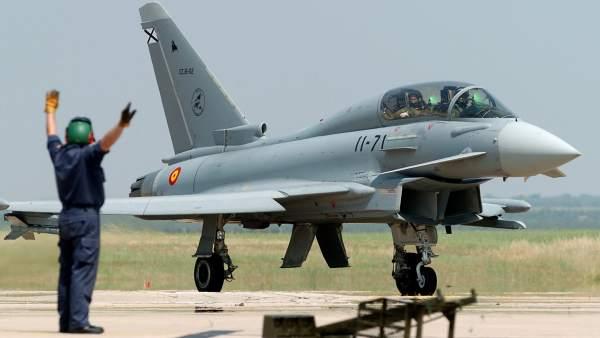 Un avión de combate C-16 Eurofighter (EF-2000)