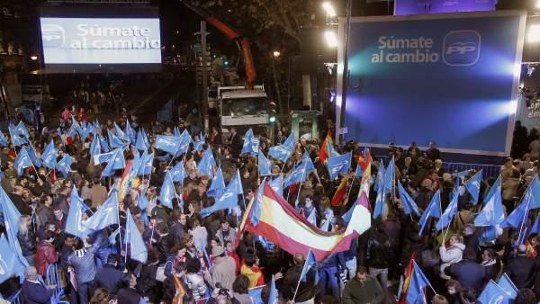 Celebración en Génova por la victoria del Partido Popular