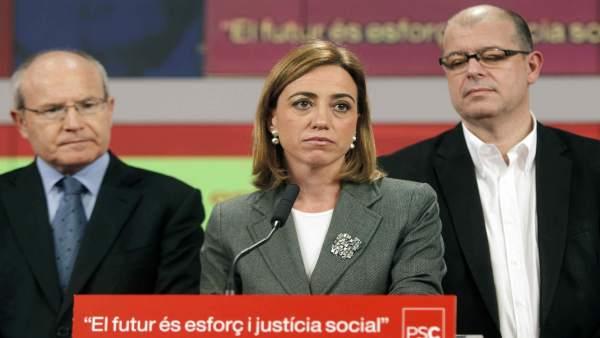 Carme Chacón, acompañada de José Montilla y José Zaragoza.