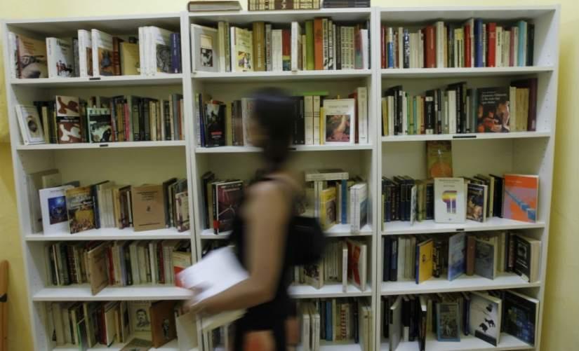 Cuentacuentos coloquios y lecturas en toda espa a en el segundo d a de las librer as - Libreria marcial pons barcelona ...